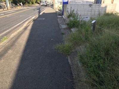 【前面道路含む現地写真】【売地】紀之川中学校・56560