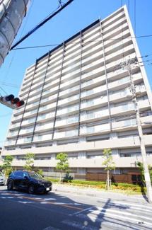 駅近、2沿線利用可。JR関西本線「加美駅」徒歩2分・JRおおさか東線「新加美駅」徒歩4分