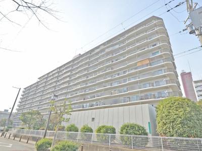 【現地写真】   総戸数169戸の 鉄骨鉄筋コンクリート造のマンションです♪