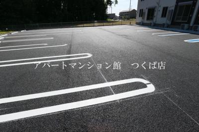【駐車場】アリエッタ