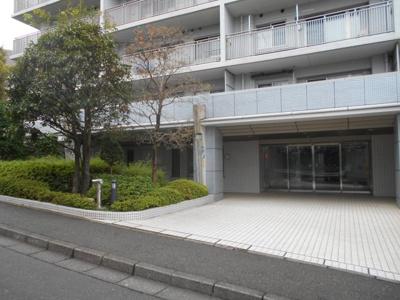 【エントランス】横浜常盤公園ヒルズ