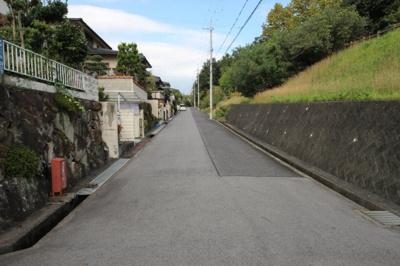 南側から前面道路
