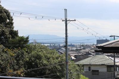 二階から琵琶湖や大橋が見えます