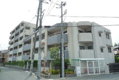 【現地写真】鉄筋コンクリート造6階建♪ 陽当たりに良いマンションとなっております♪