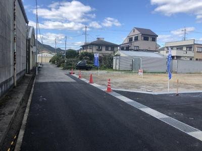 【前面道路含む現地写真】西脇市野村全4区画 1号地