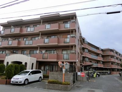【現地写真】 鉄筋コンクリート造の4階建♪ 駅近くの陽当たりの良いマンションとなっております♪