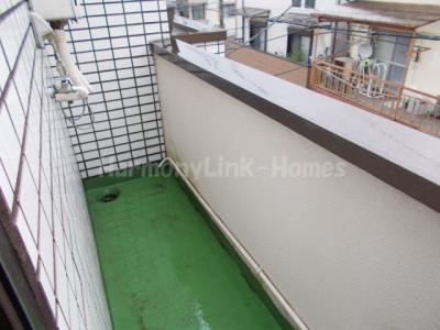 ホワイト東新町のお洗濯にも便利なバルコニー付(3階参考写真)☆
