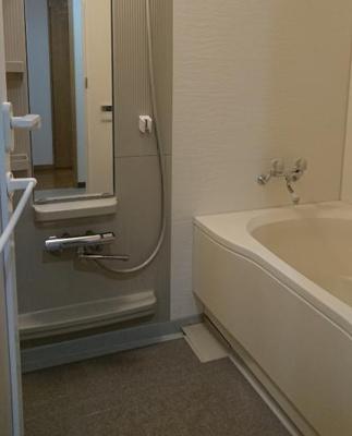 【浴室】フォルスコート目黒大橋