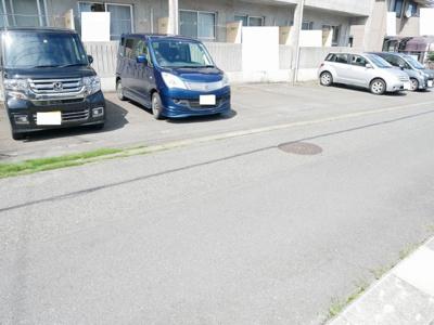 【駐車場】オークル・M
