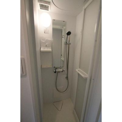 ハーモニーテラス中丸子のきれいなシャワールームです