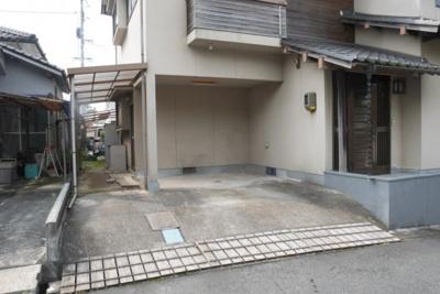 【駐車場】津山市総社 借家 5LDK