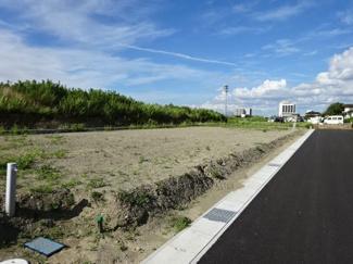 袖ヶ浦市坂戸市場 新築一戸建て 袖ヶ浦駅 お庭もあり、趣味のガーデニングやペットの遊ぶスペースにピッタリです♪