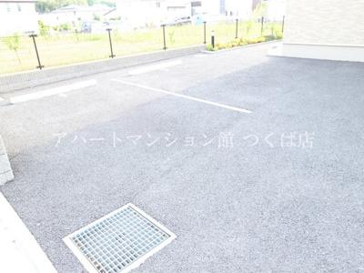【駐車場】ラ リュンヌ