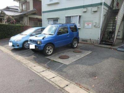 【駐車場】ジュネスファミーユ