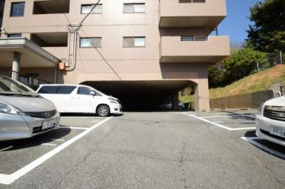 【駐車場】ヒルサイドコートII棟