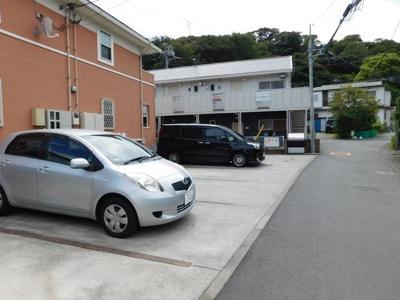 【駐車場】ラブリーメゾン鎌倉