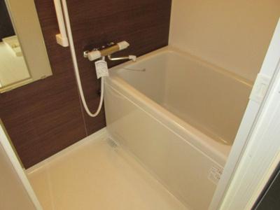 【浴室】コートベルフラワー