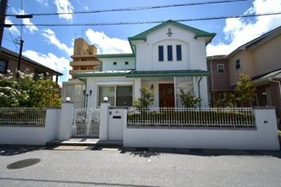 耐震性に優れたツーバイフォー住宅で日本最大手の三井ホーム施工の建物です。