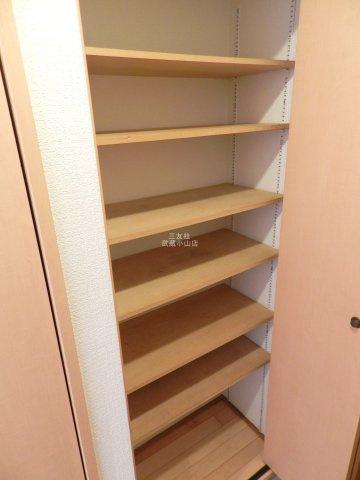 収納スペースが広いシューズボックスです