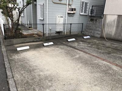 敷地内駐車場1台付き!