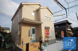1号棟 現地(2019年10月)撮影 堂々完成しました!即入居可♪ 敷地面積119.99㎡(36.29坪)。 駐車2台可能。