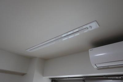 2階ピロティー