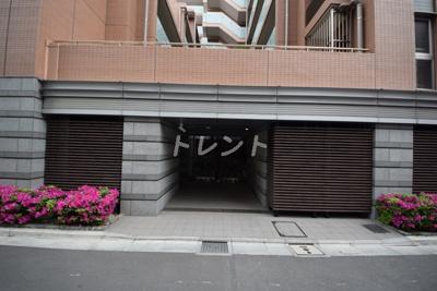 【エントランス】プレミスト神楽坂