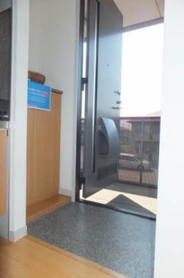 【玄関】メゾンデラW C棟