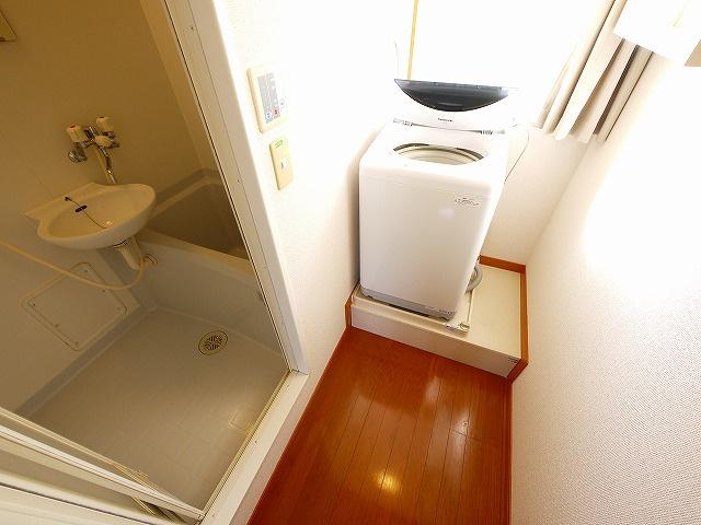 室内に洗濯機置き場が設けれています