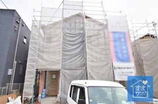 2号棟 現地(2019年9月)撮影 上棟しました!11月完成予定です。 敷地面積197.15㎡(59.63坪)。 駐車並列2台可能。