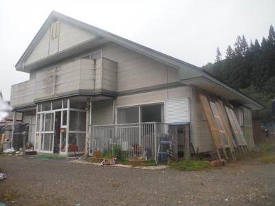 【外観】大館市雪沢字塚ノ岱・中古住宅