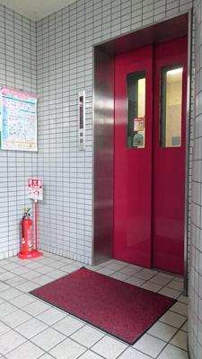 エレベーターがあるので、上下間の移動も楽にできます。