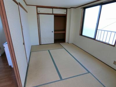 【居間・リビング】フラワーマンション