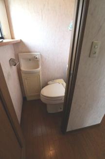 2階のトイレです。2019年10月31日 11:00頃撮影。
