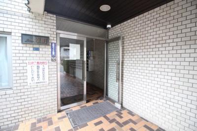 【エントランス】チュリス幸町