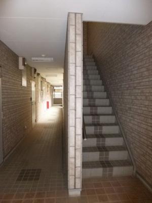 共用の階段と廊下!