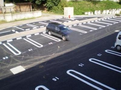【駐車場】シェグラヴェート