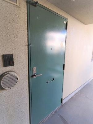 毎日通る玄関はこちらです  Kワンビル