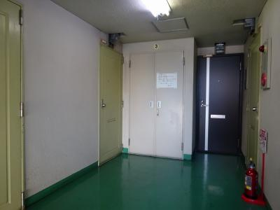玄関前の廊下です。