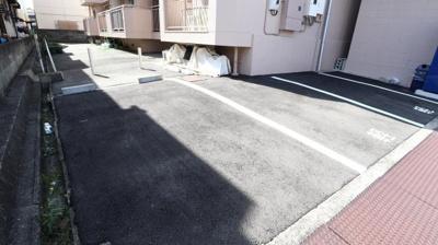 【駐車場】西本マンション