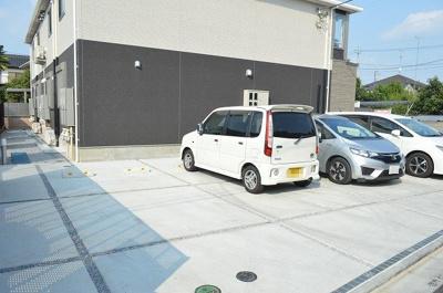 【駐車場】リーオイスラ