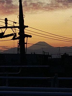 屋上バルコニーから富士山が見えます