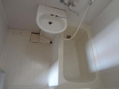 ご要望の多い、追い焚き機能付きのお風呂です。