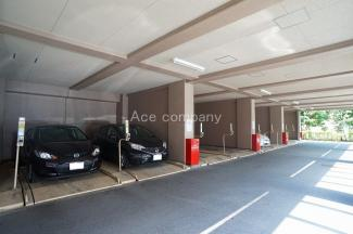 敷地内駐車場、空き有り(2019年7月時点)空き状況は随時変わります、ご了承・ご確認下さい。