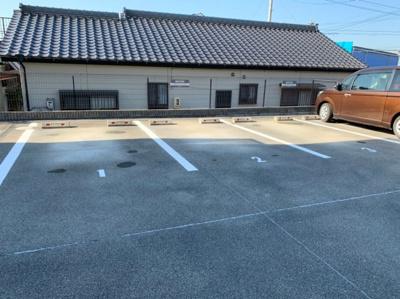 【駐車場】カトルセゾン