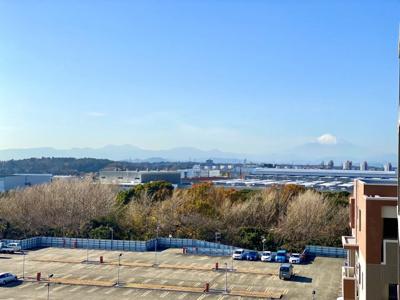 湘南を一望!高層階ならではの180度のパノラマビューです。 (西側展望)こちら側も遠くの山々と富士山も望みます!