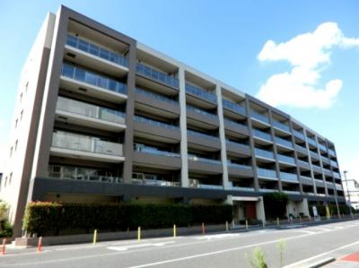 JR高崎線「鴻巣」駅徒歩6分の平成24築のマンションです。