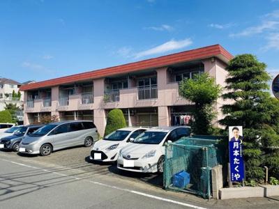 小田急線「柿生」駅より徒歩圏内の2階建てアパート♪近隣に公園があるので小さなお子様のいるファミリーさんにも嬉しい立地です☆