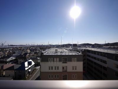 バルコニーからの眺望・朝陽のあたる東向きです。