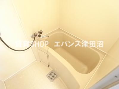 清潔感のあるお風呂です。